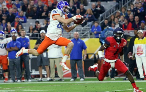Boise State wide receiver Thomas Sperbeck (82) makes a first-half reception against Arizona in the Vizio Fiesta Bowl at the University of Phoenix stadium on Wednesday Dec. 31, 2014.