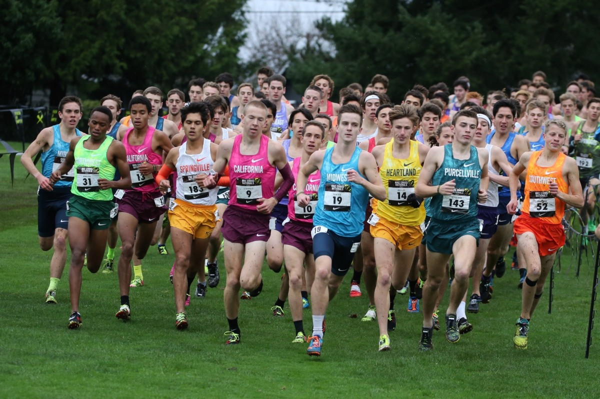 No. 9 Matt Strangio (Center) running at the front of the pack at the Nike Cross Nationals Boy's 2017 Championships.