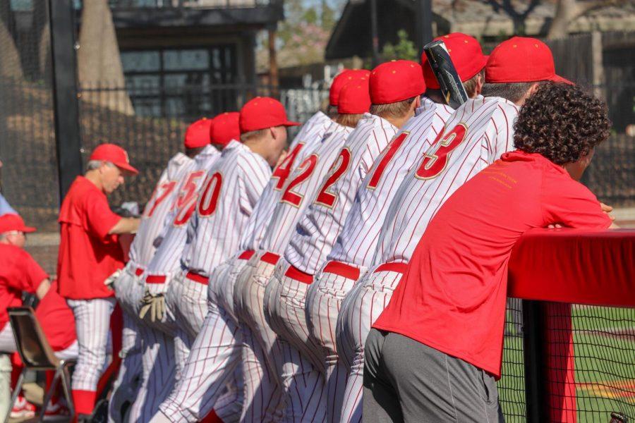 Jesuit+baseball+sweeps+Davis