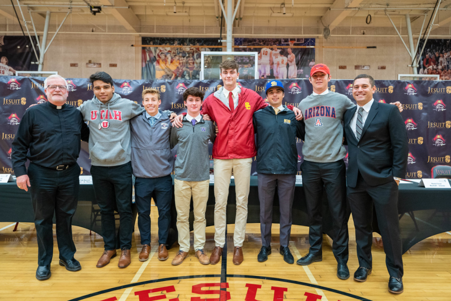Jesuit+recognizes+six+signees+on+Fall+Signing+Day