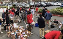 Students participate in annual Christmas Food Drive